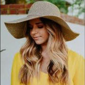 Accessories - Floppy Beach Hat